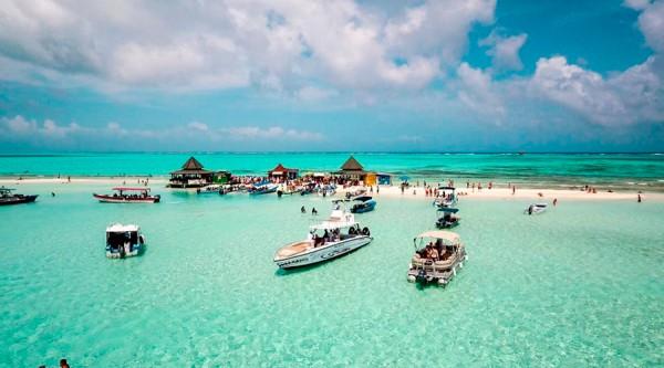 Tour VIP islas by Expedition Receptivos